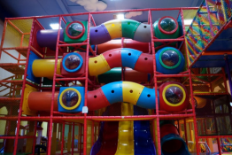 Radom Atrakcja Sala   plac zabaw Kraina Marzeń